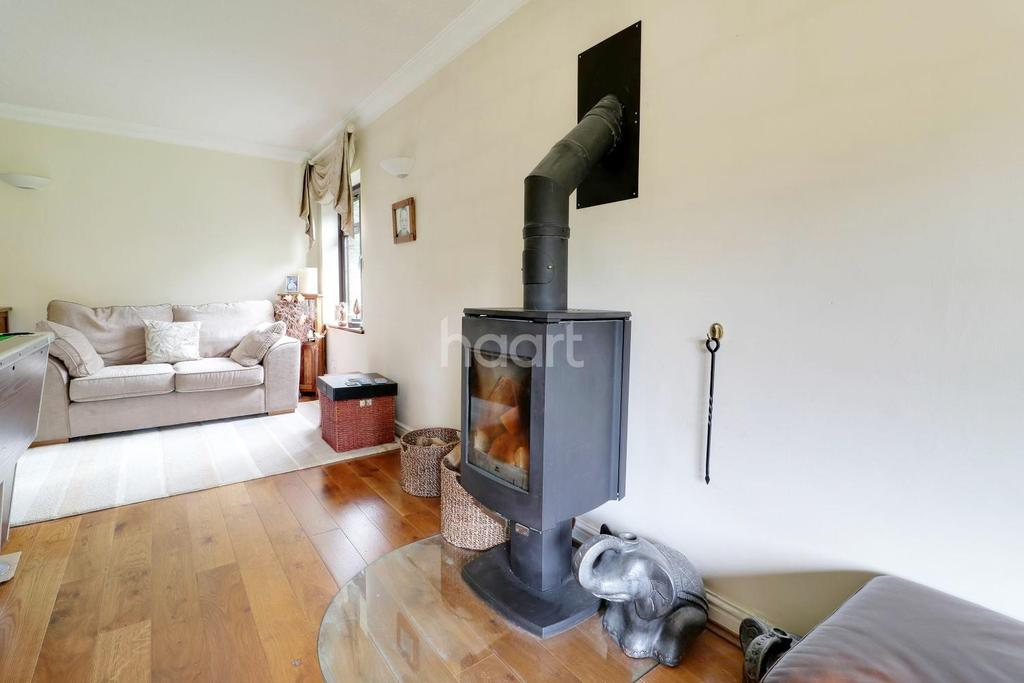 5 Bedrooms Detached House for sale in Station Road, Liss