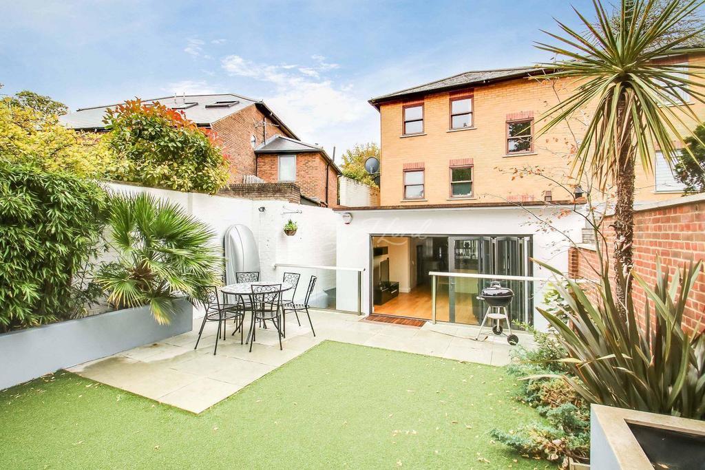 4 Bedrooms Semi Detached House for sale in Blackheath Grove, SE3