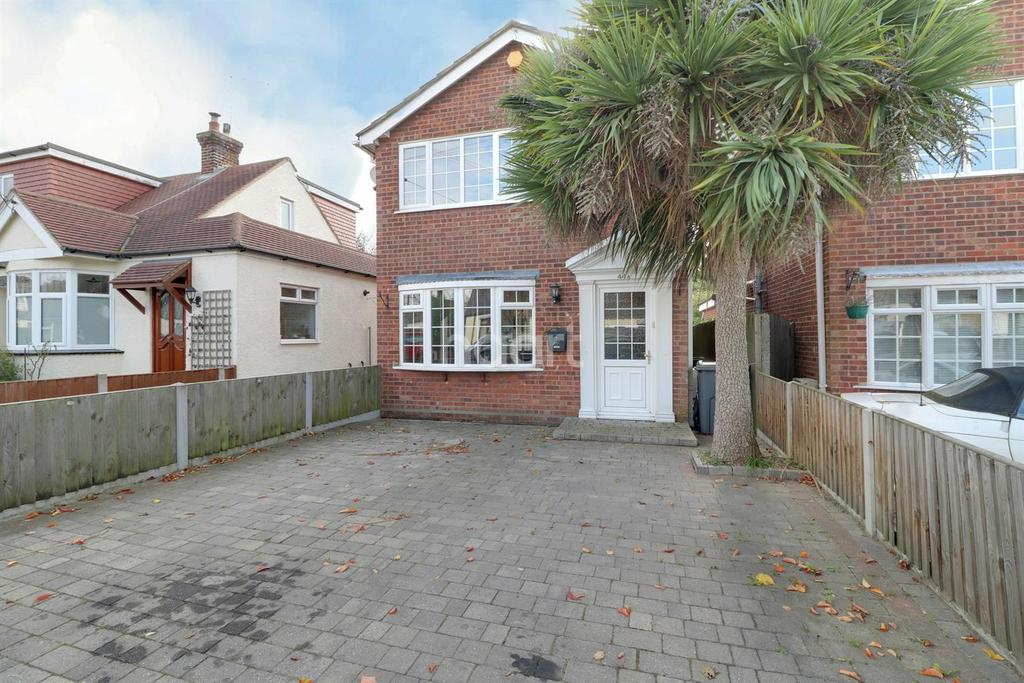 3 Bedrooms Detached House for sale in Gravel Road, Leigh-on-sea