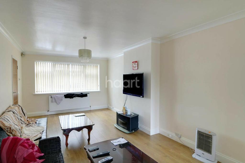 4 Bedrooms Detached House for sale in West Common Road, Uxbridge