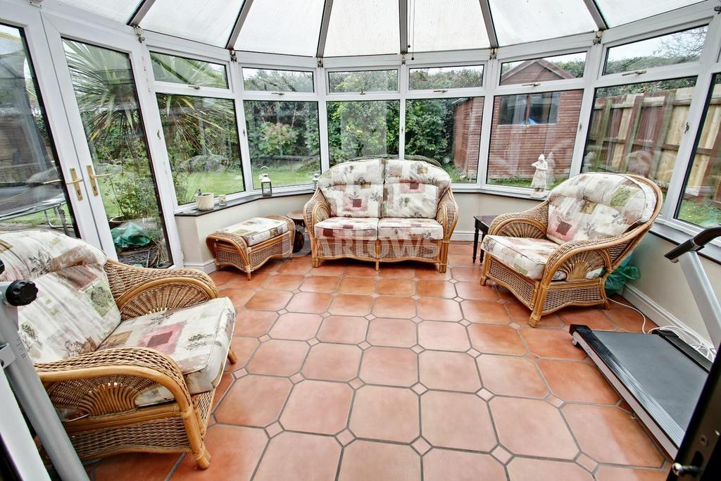 6 Bedrooms Detached House for sale in Vicarage Gardens, Marshfield, Cardiff
