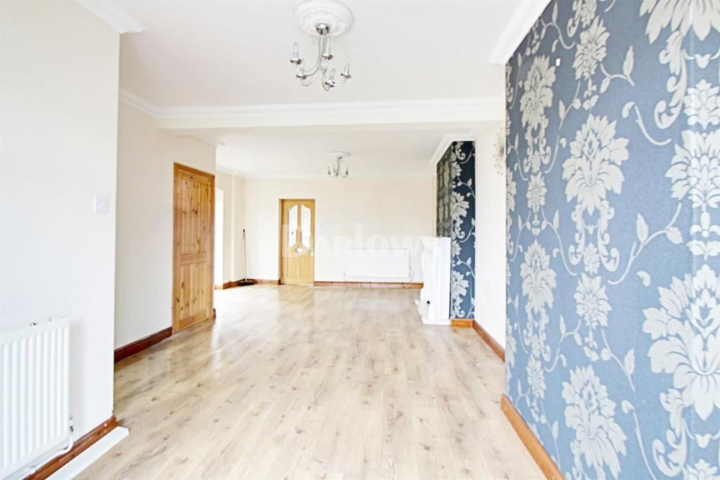 3 Bedrooms End Of Terrace House for sale in Ashvale, Tredegar, Blaenau Gwent