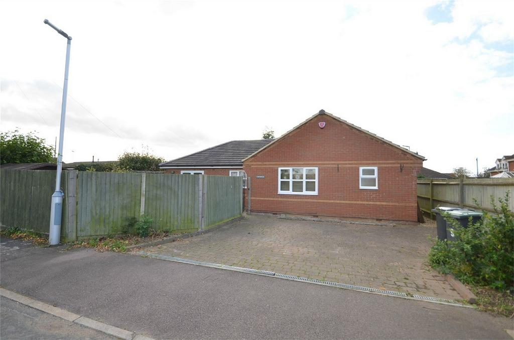 3 Bedrooms Detached Bungalow for sale in Southfields, SHEFFORD, Bedfordshire