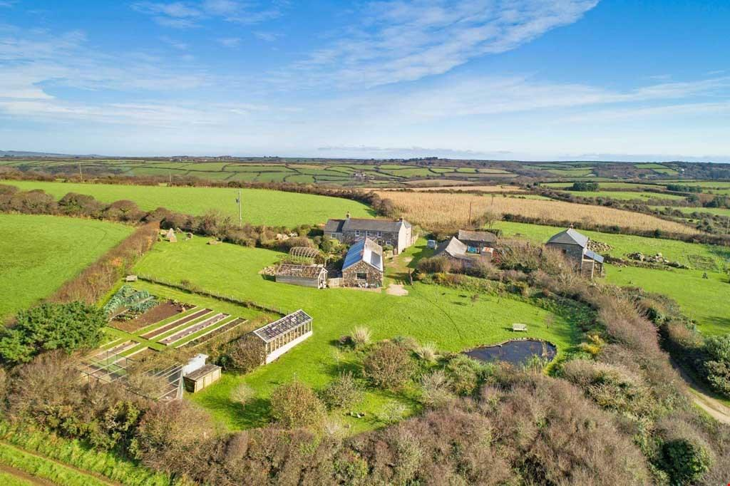 4 Bedrooms Detached House for sale in St Buryan, Penzance, West Cornwall , TR19