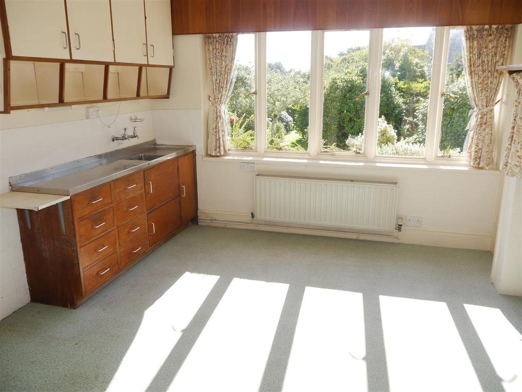 Tranters kitchen.JPG