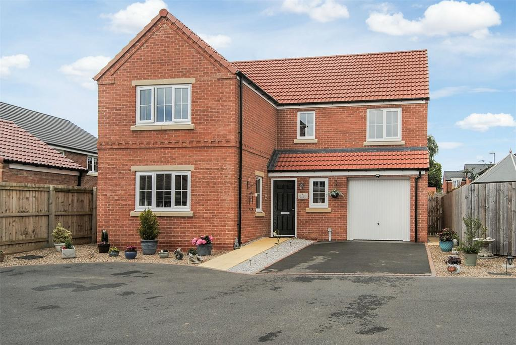 4 Bedrooms Detached House for sale in 8 Sycamore Avenue, Aiskew, Bedale, North Yorkshire