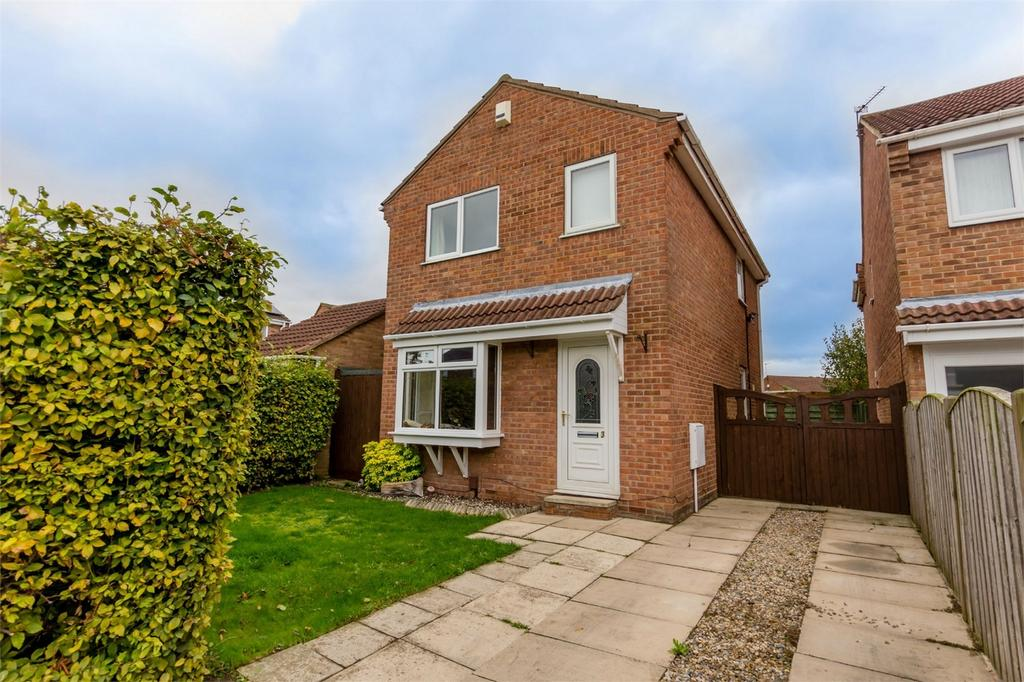 3 Bedrooms Detached House for sale in Hendon Garth, Rawcliffe, York
