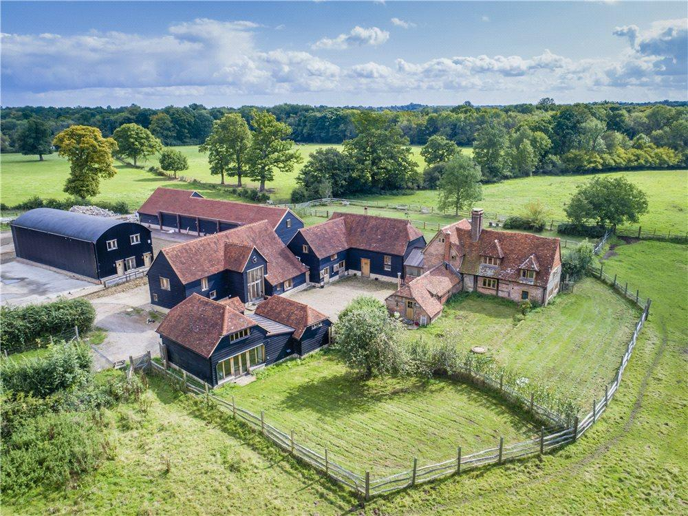 4 Bedrooms House for sale in Tigbourne Farm, Wormley, Godaming, Surrey, GU8