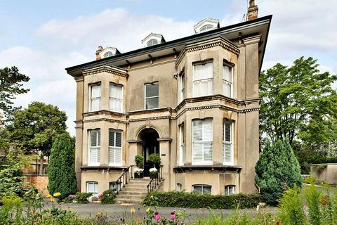3 bedroom flat for sale - St. Kevern, 63 Christchurch Road, Cheltenham, Gloucestershire, GL50