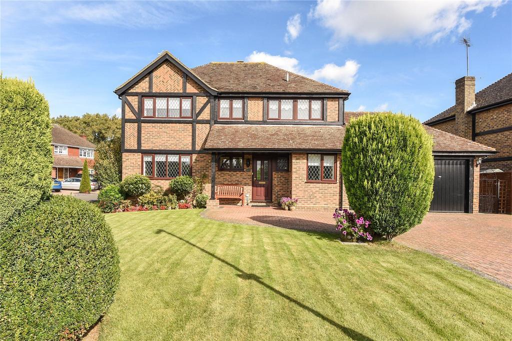 4 Bedrooms Detached House for sale in Montagu Road, Datchet, Slough, Berkshire, SL3