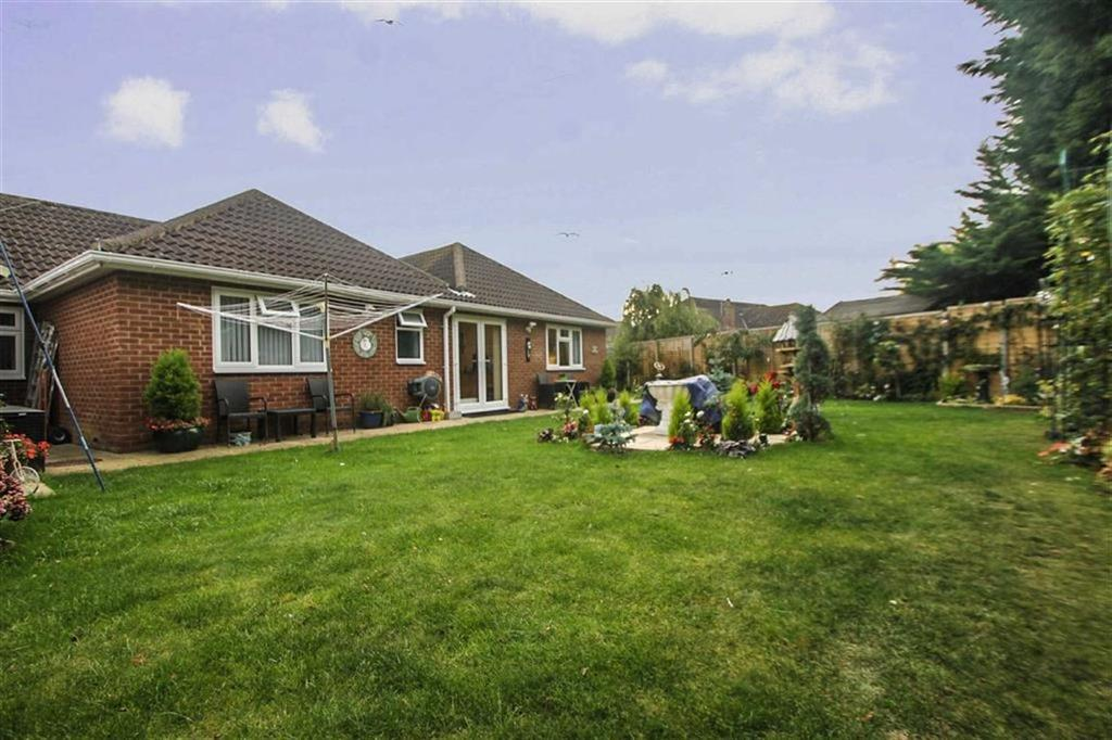 4 Bedrooms Detached Bungalow for sale in Gorse Lane, Great Clacton