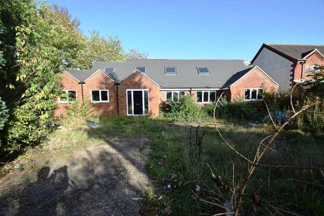 4 Bedrooms Bungalow for sale in Walsall Road,Great Wyrley,Staffordshire