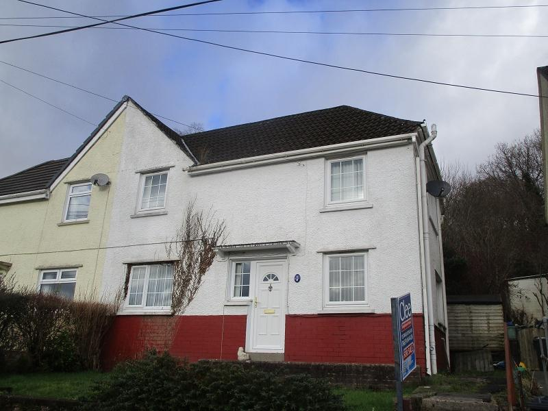 3 Bedrooms Semi Detached House for sale in Tanyrallt, Abercrave, Swansea.