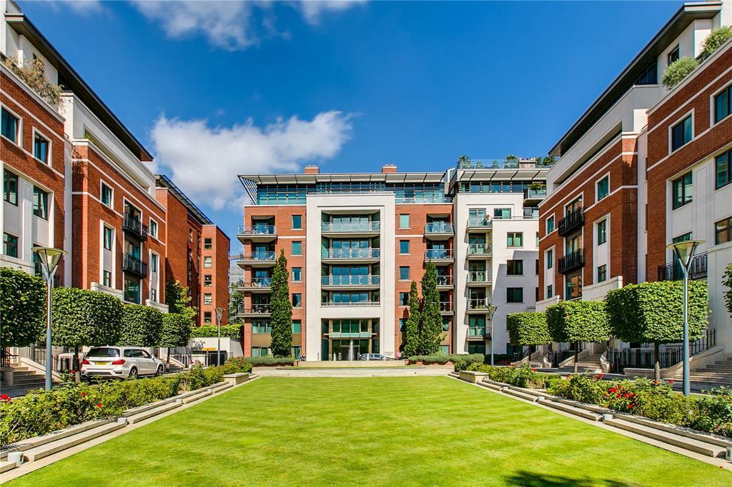 3 Bedrooms Flat for sale in Thornwood Gardens, Kensington, London