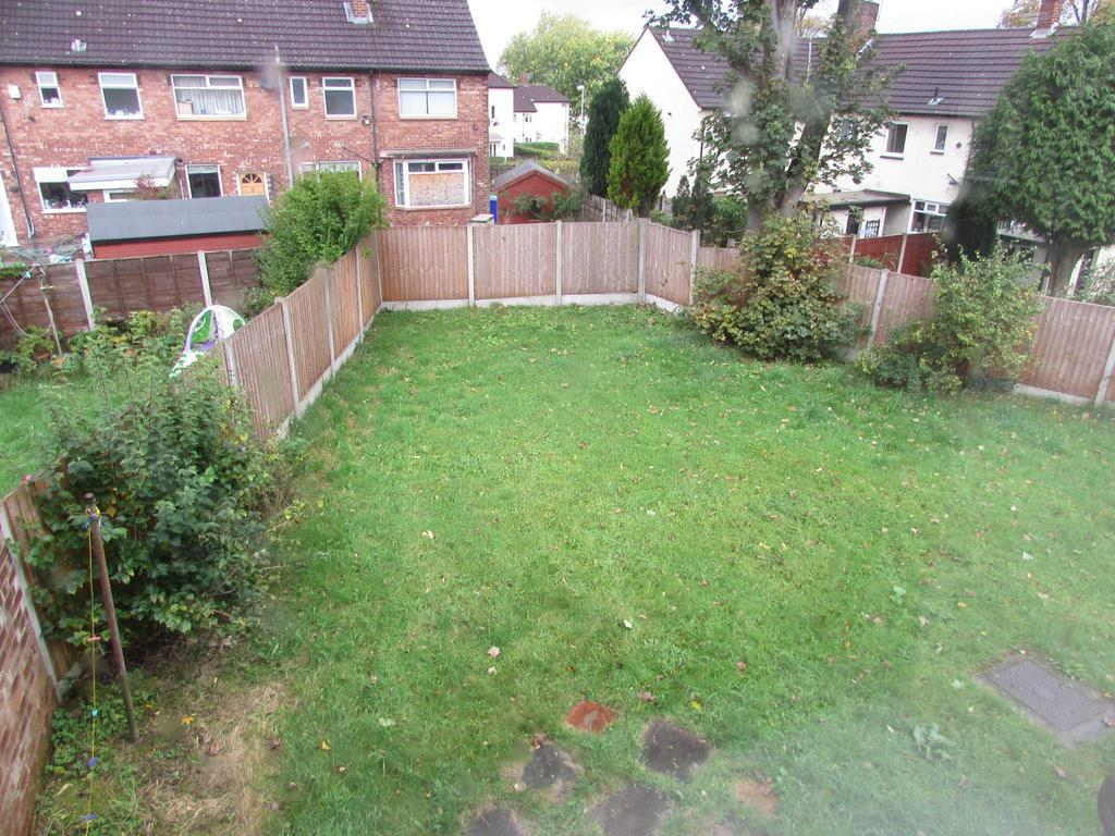 3 Bedrooms Terraced House for sale in Oakmoor Road, Wythenshawe, Manchester, M23