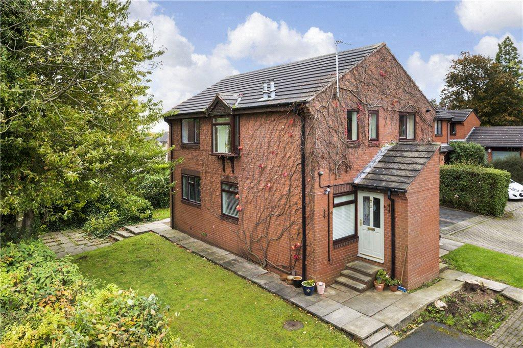 2 Bedrooms Apartment Flat for sale in Wayland Drive, Leeds, West Yorkshire