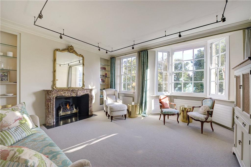 3 Bedrooms Flat for sale in Coleherne Court, Redcliffe Gardens, Earl's Court, London, SW5