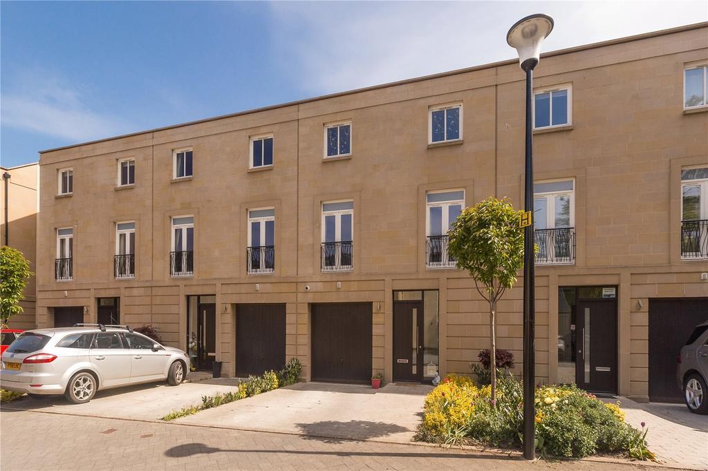 4 Bedrooms Terraced House for sale in Larkfield Gardens, Edinburgh