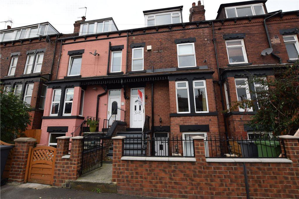 2 Bedrooms Terraced House for sale in St. Ives Grove, Leeds, West Yorkshire