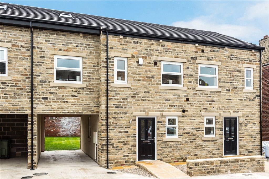 4 Bedrooms Town House for sale in Saville Street, Ossett, West Yorkshire