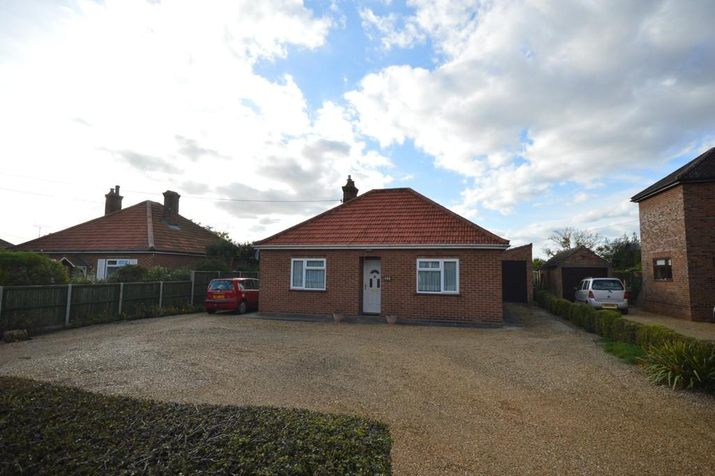 3 Bedrooms Detached Bungalow for sale in Lynn Road, Ingoldisthorpe