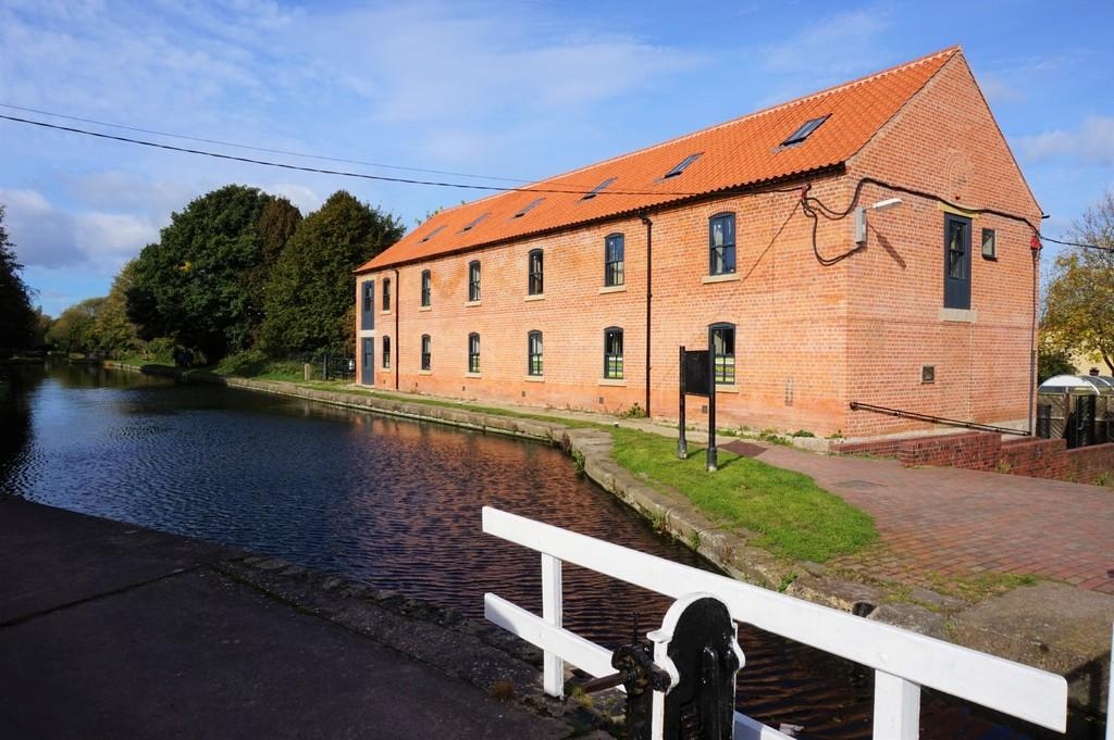3 Bedrooms Mews House for sale in Wharf Road, Retford