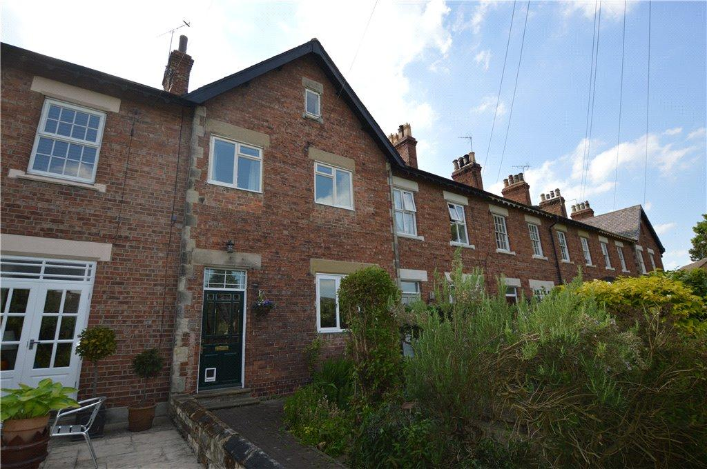 3 Bedrooms Terraced House for sale in St Edwards Terrace, Clifford, Wetherby, West Yorkshire
