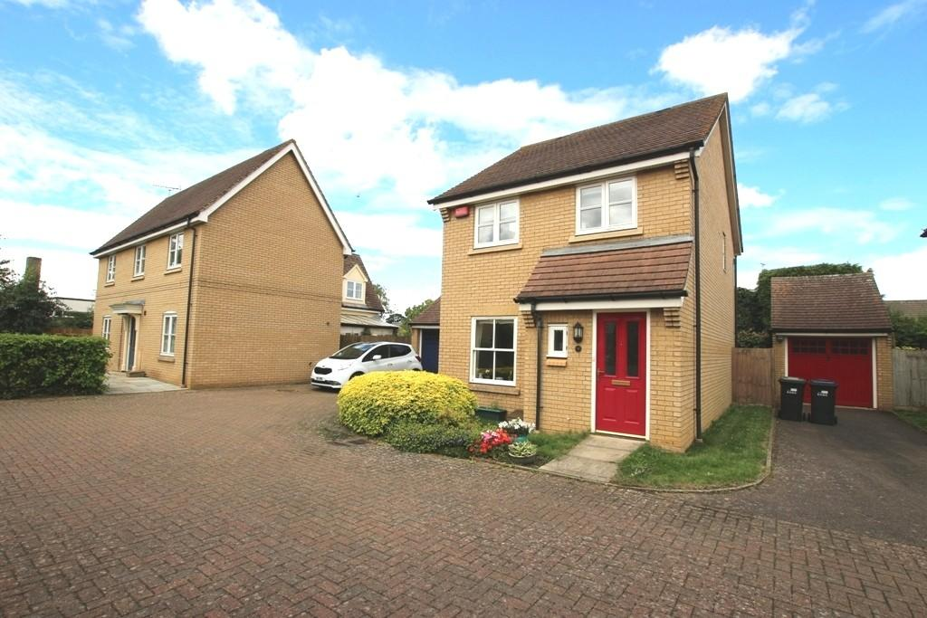 3 Bedrooms Detached House for sale in The Paddock, Ely