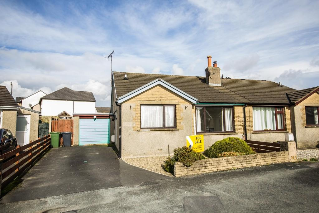 2 Bedrooms Semi Detached Bungalow for sale in The Crescent, Holme