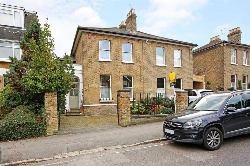 3 Bedrooms Semi Detached House for sale in Queens Road, Buckhurst Hill, Essex, IG9