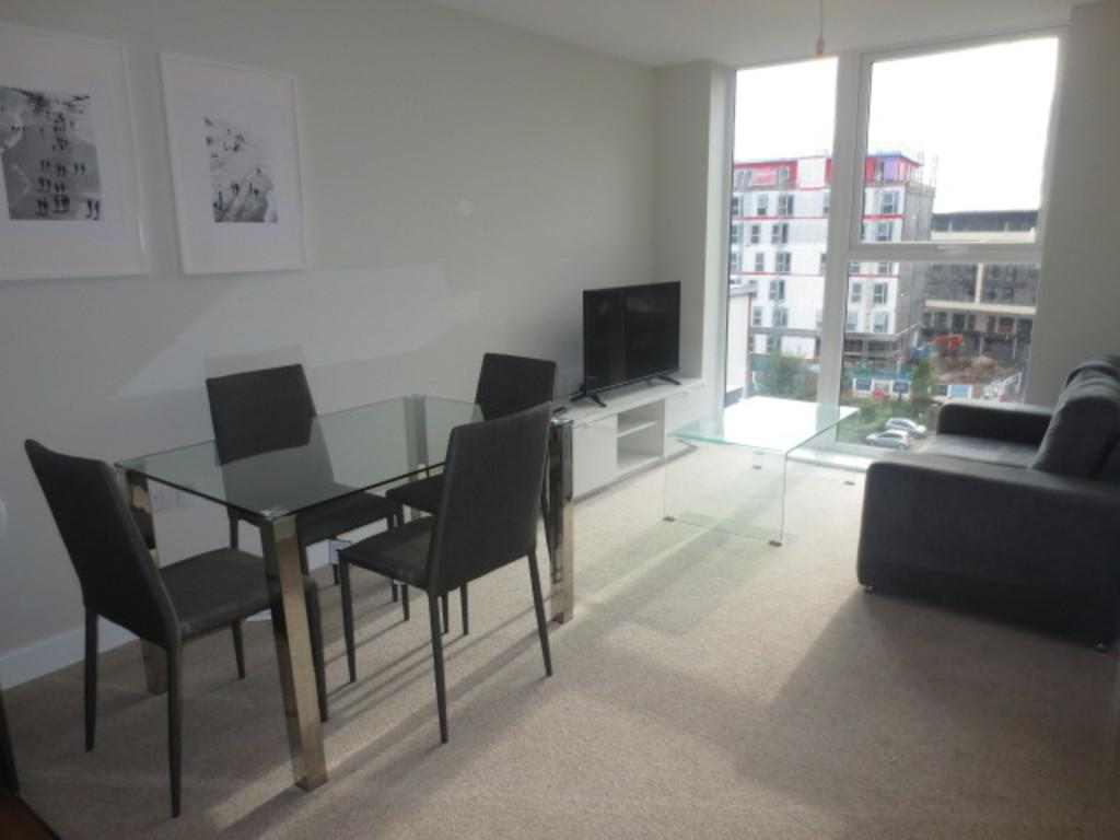 2 Bedrooms Apartment Flat for sale in Bridgewater Gate, Salford