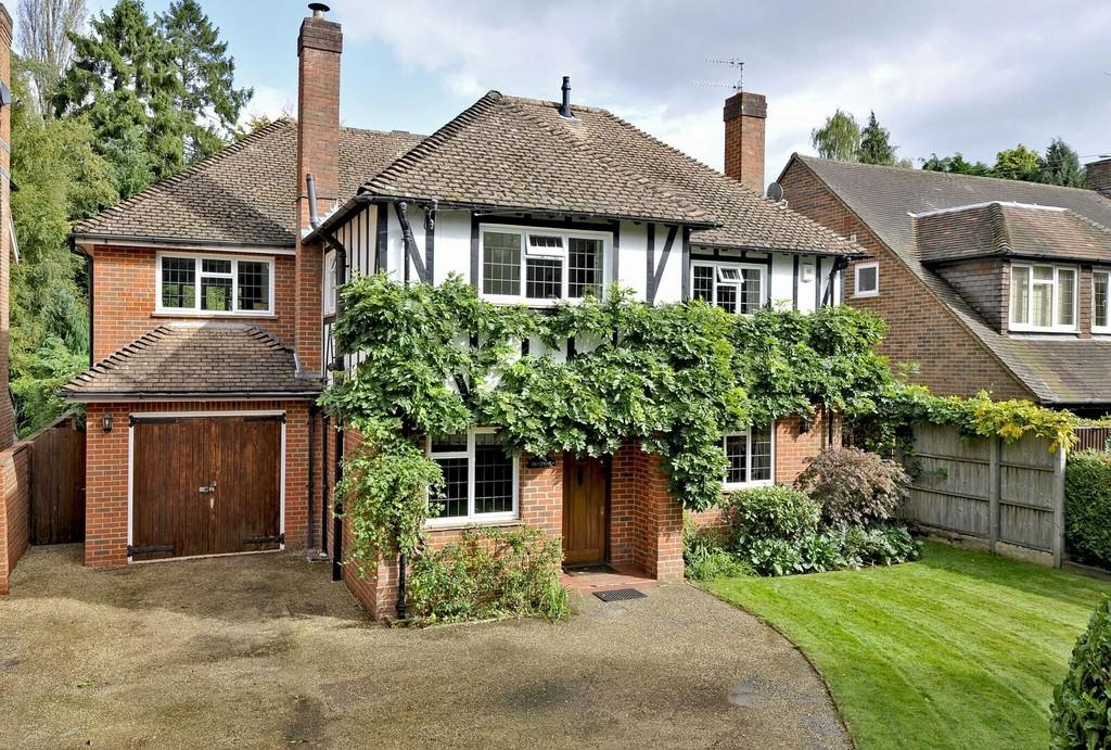 5 Bedrooms Detached House for sale in Linersh Wood, Bramley, Guildford GU5 0EE