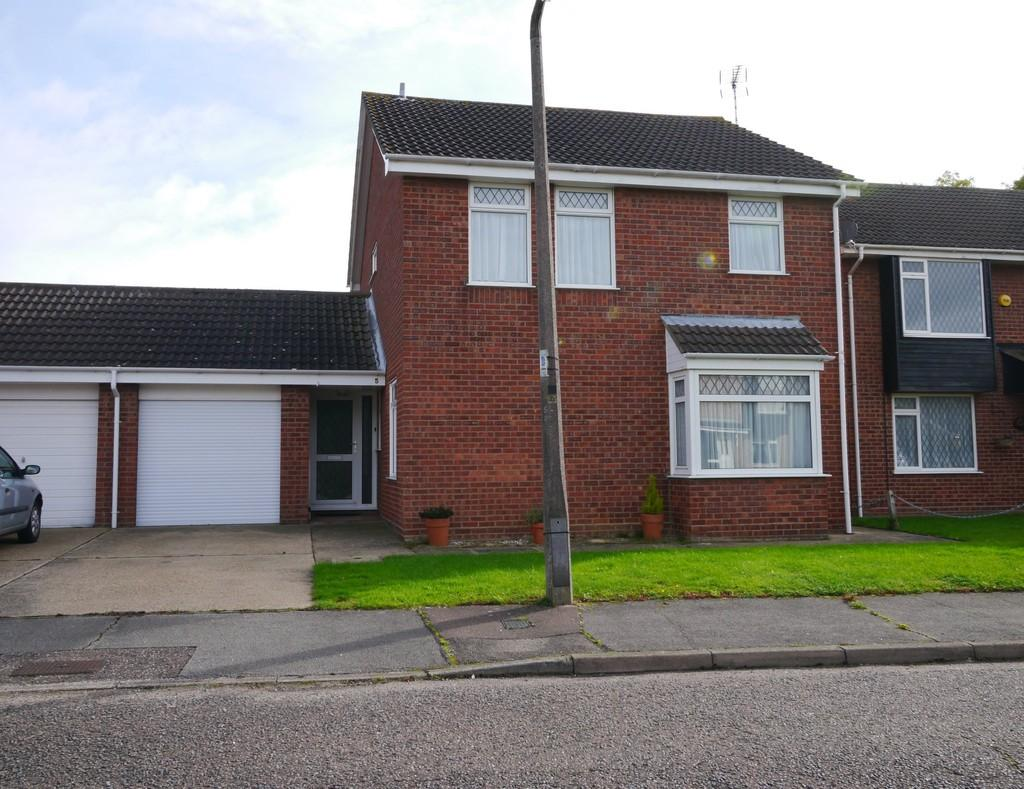 4 Bedrooms Link Detached House for sale in Yarrow Drive, Carlton Colville, Lowestoft
