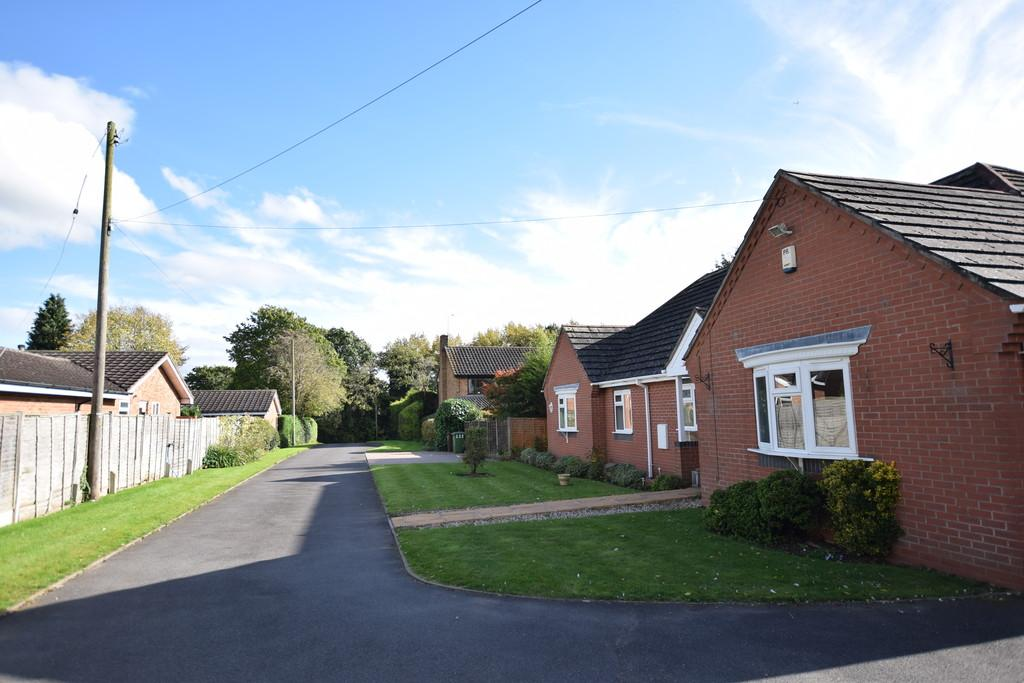 3 Bedrooms Detached Bungalow for sale in Creynolds Lane, Shirley