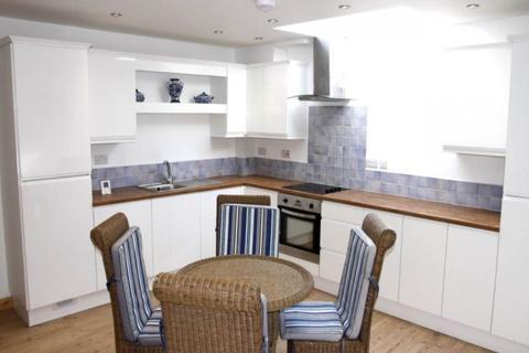 2 bedroom flat to rent - Henrietta Street, City Centre, Swansea
