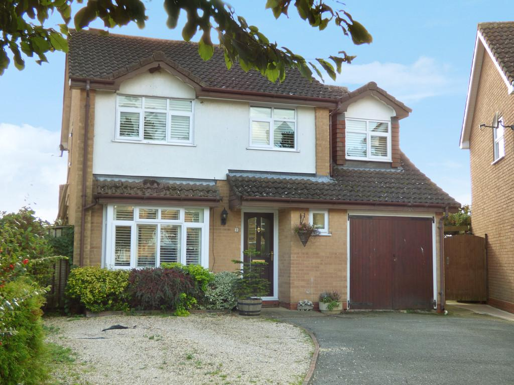 4 Bedrooms Detached House for sale in Goodwood Close, Stratford upon Avon