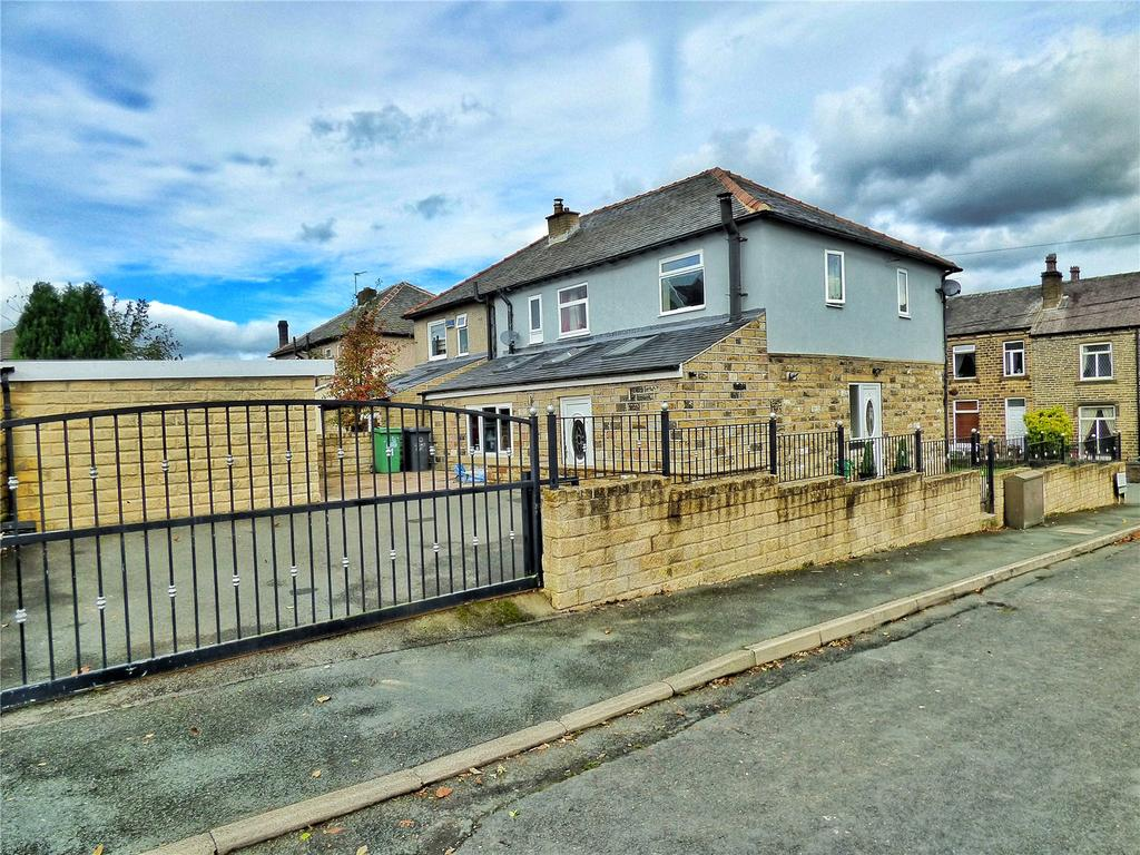 5 Bedrooms Semi Detached House for sale in Stoney Lane, Longwood, Huddersfield, HD3