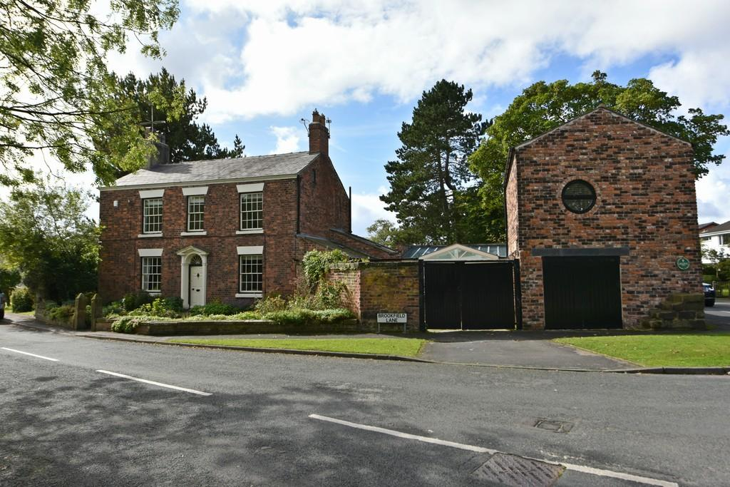 6 Bedrooms Detached House for sale in Brookfield Lane, Aughton