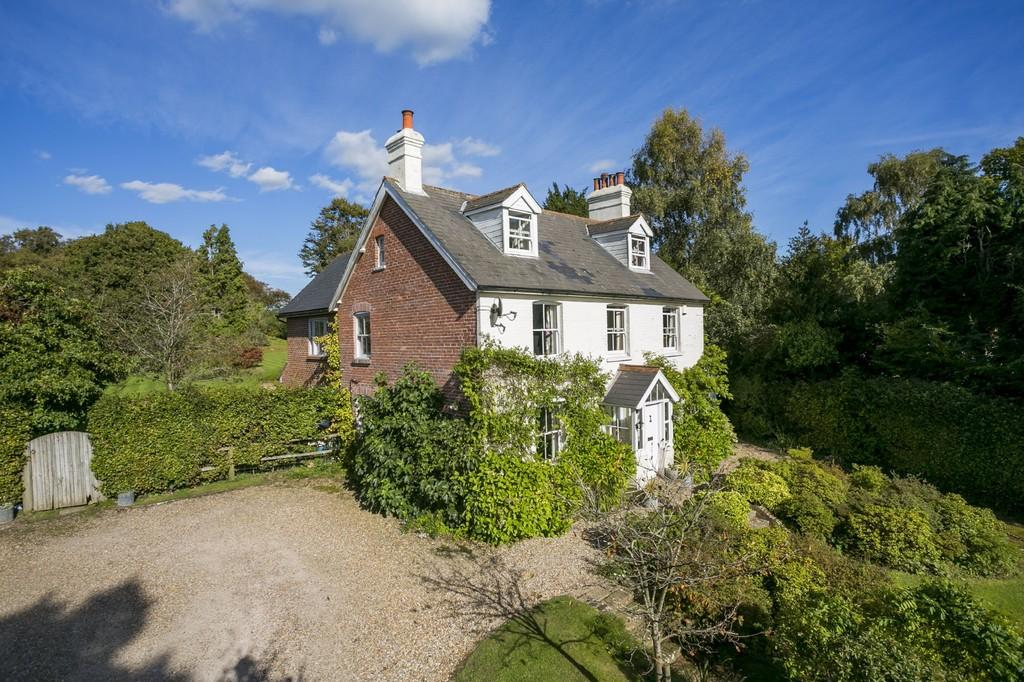 6 Bedrooms Detached House for sale in Cade Street, Heathfield