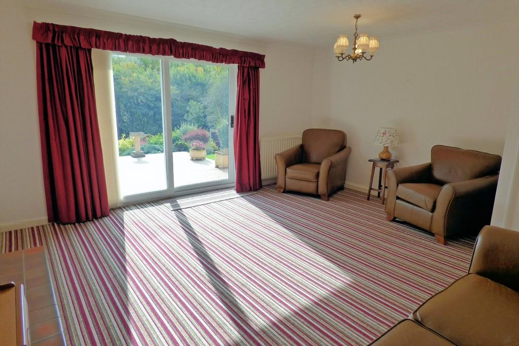 2 Bedrooms Detached Bungalow for sale in Grafton Road, Burton-on-Trent