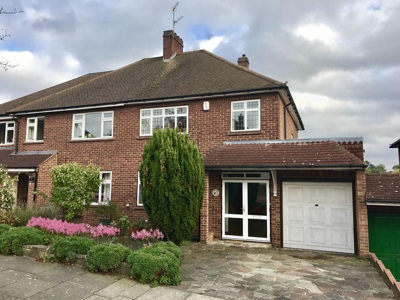 3 Bedrooms Semi Detached House for sale in Brookdale Road, Bexley