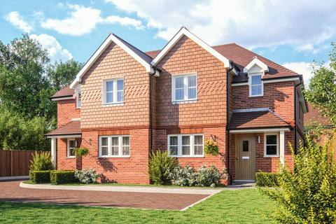 3 bedroom semi-detached house for sale - Plot 1 Farnham Mews, Victoria Road, Farnham Common, Buckinghamshire SL2