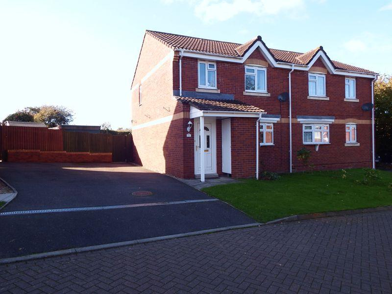3 Bedrooms Semi Detached House for sale in Hitchen, Merriott