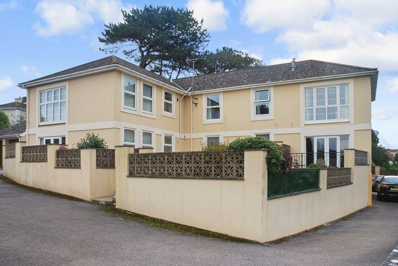 2 Bedrooms Apartment Flat for sale in St Marychurch