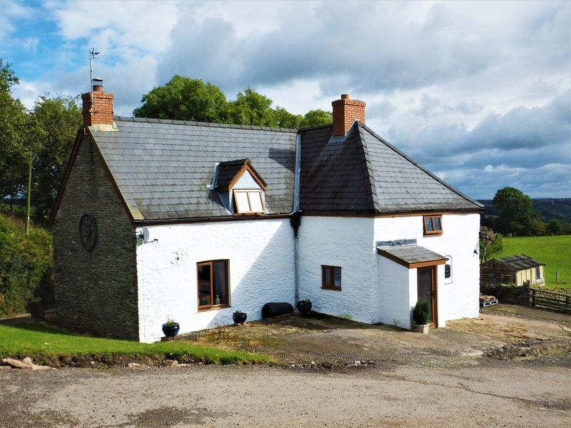 3 Bedrooms Cottage House for sale in Grosmont, Abergavenny