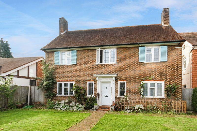3 Bedrooms Detached House for sale in SUTTON