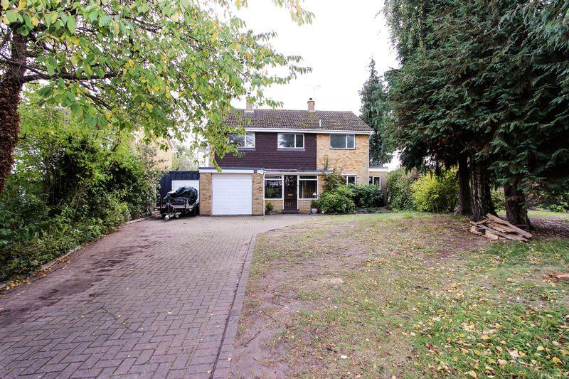 4 Bedrooms Detached House for sale in Norwood Avenue, Southmoor