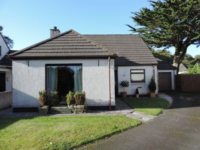 3 Bedrooms Detached Bungalow for sale in Playing Place, Truro