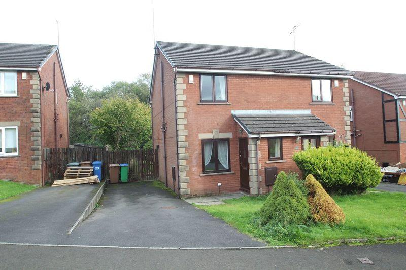 2 Bedrooms Semi Detached House for rent in Whitemoss, Norden, Rochdale