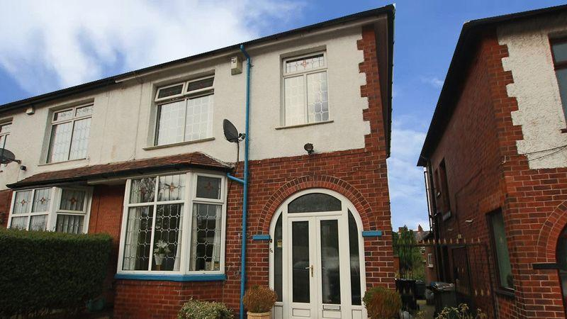 3 Bedrooms Semi Detached House for sale in Edenfield Road, Rochdale OL11 5AA